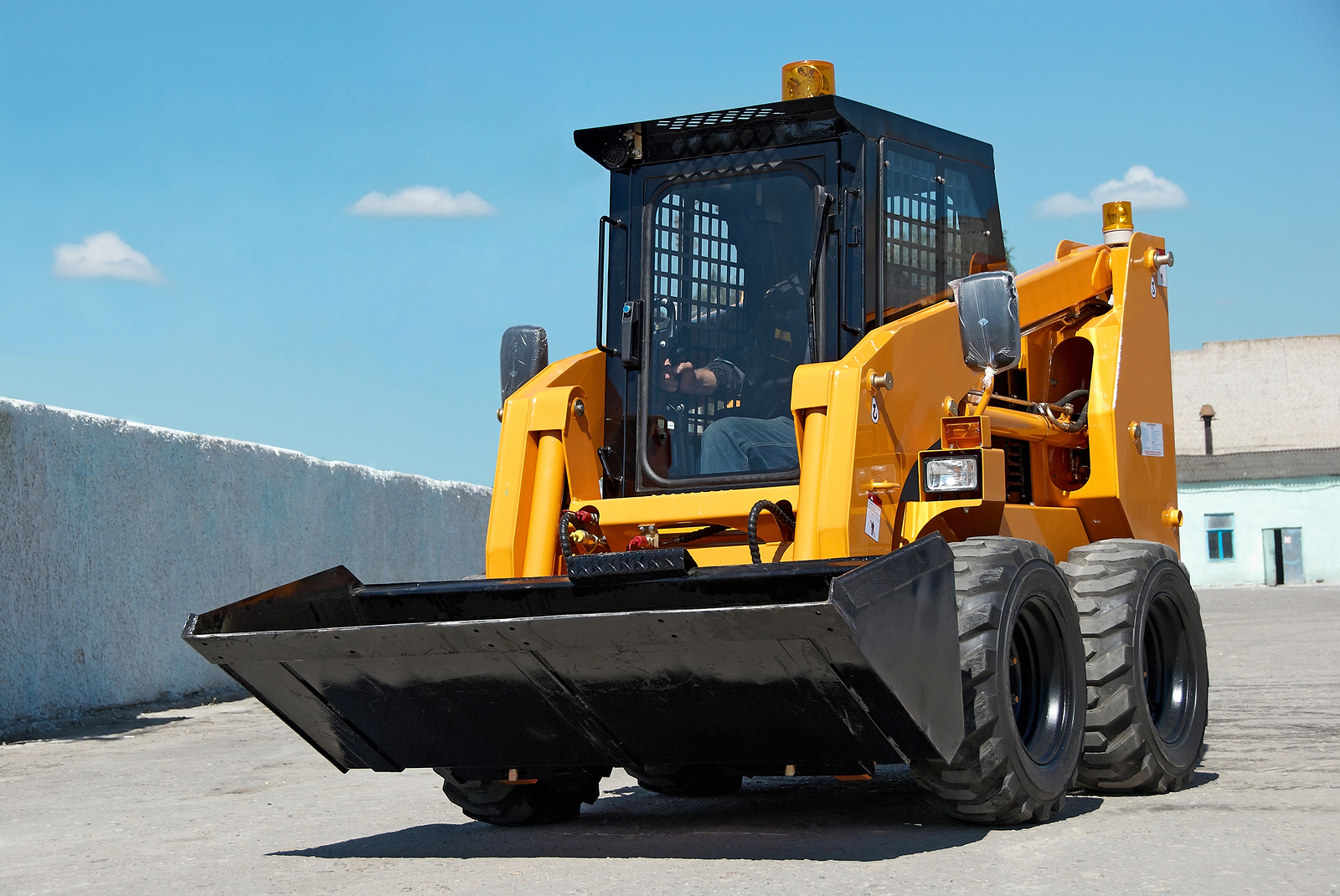 Skid Steer vs. Compact Wheel Loaders: Best Compact Equipment